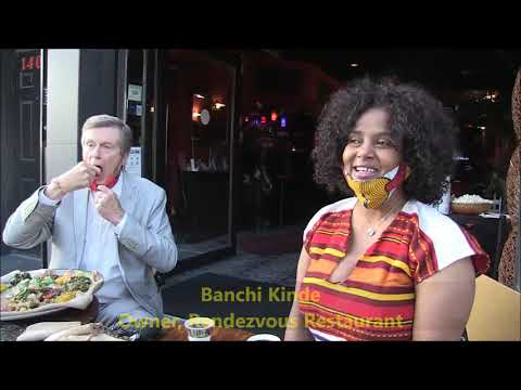 Ethiopia:-The Mayor of Toronto John Tory eats Ethiopian Food first time. የቶሮንቶ ከንቲባ እና እንጀራ