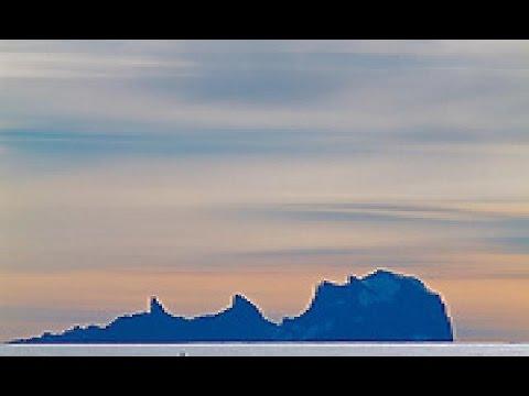 Antarctica. Queen Maud Land. Ulvetanna VS Tungespissen.