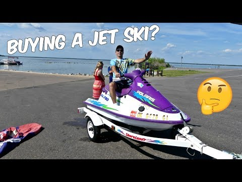 WHAT TO LOOK FOR WHEN BUYING A JET SKI PERSONAL WATERCRAFT