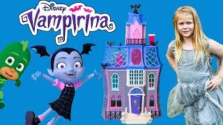 VAMPIRINA  Fangtastic Assistant Scare N Seek with Wiggles in Spooky Hunt
