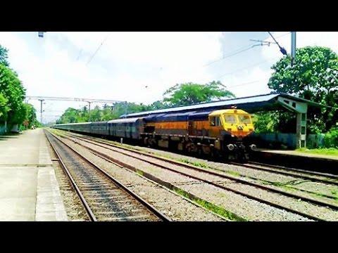 Offlink Kalyan WDG-4D Netravati Express rips past Pattambi in Palakkad