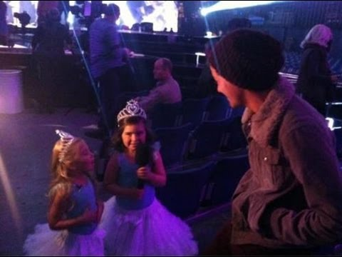 Sophia Grace & Rosie Meet One Direction On X Factor uk