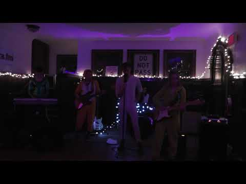 The Onezies Perform at the Clubhaus