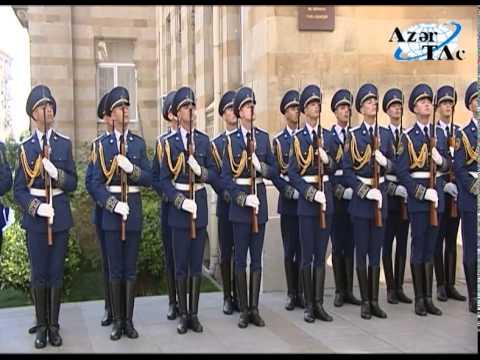 President Ilham Aliyev visited a memorial in honor of the Azerbaijan Democratic Republic