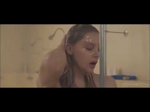Carrie Presentation/Shower/Period Scene from YouTube · Duration:  3 minutes 30 seconds