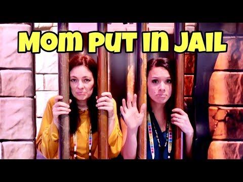 MOMS GO TO JAIL! | PARENTS VS PARENTS W/ THAT YOUTUB3 FAMILY