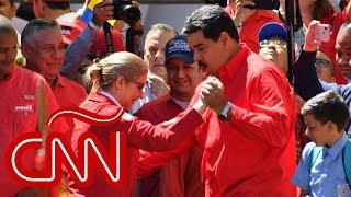 Maduro bailó salsa mientras había violencia en fronteras por la ayuda humanitaria
