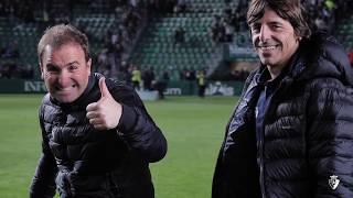 Osasuna celebra su victoria en el Martínez Valero junto a su afición