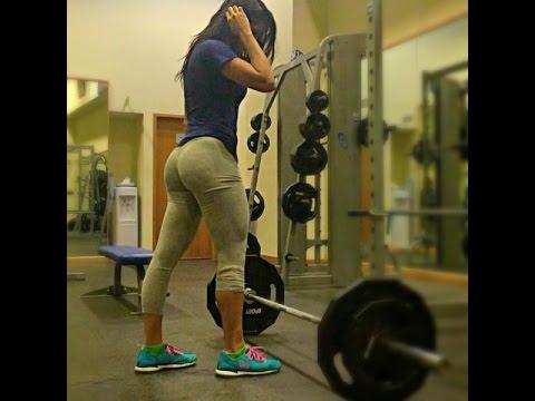 En el gym haciendo ejercicios de brazo quiero sexohola amigo disculpavivo en venezuela estoy sin dinero para mis hijosayudame solo ingresando y dandole skip ad en este enlace httpmetbzabigailayudameporfavor - 4 7