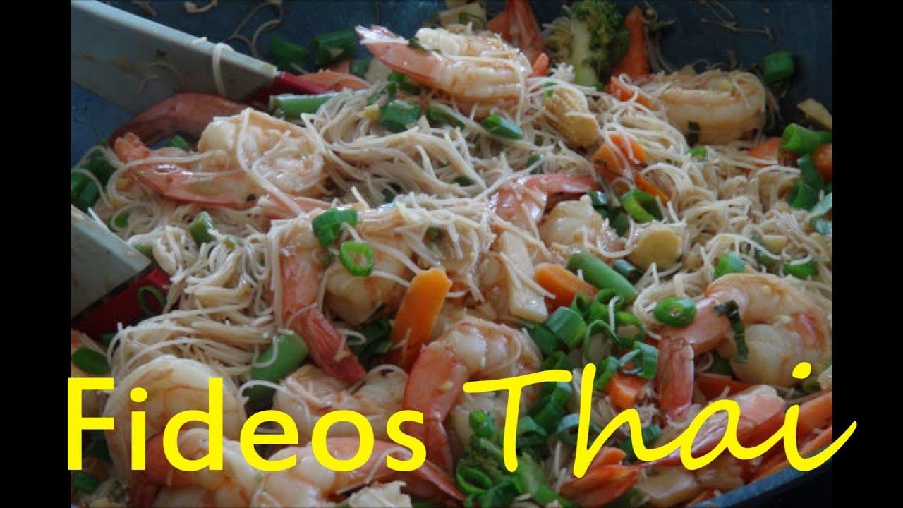 Fideos de Arroz con Camarones Estilo Tailandes