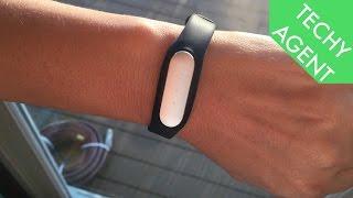 Xiaomi က Mi Band - အပြည့်အဝလက်ကမ်းတွင်ပြန်လည်ဆန်းစစ်ခြင်း