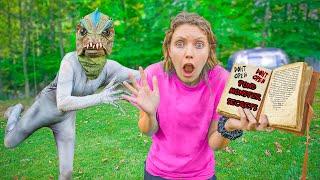 Captured Pond Monster Secret !! (Revealing Mystery Neighbor Evidence Book)