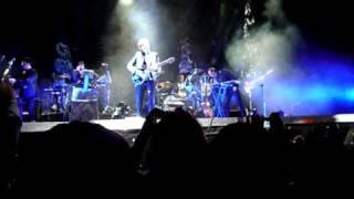 Gustavo Cerati - Intro y Fuerza Natural en vivo (Caracas, USB 15/5/2010)