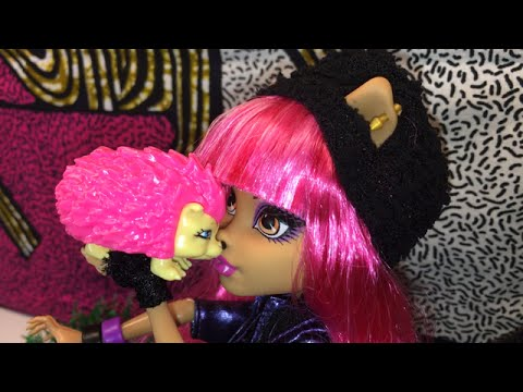 Monster High Doll Mattel 13 Wishes: Holween Wolf and Hedgehog Cushion Trailer on Free Toys Channel
