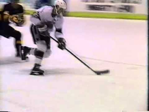 Wayne Gretzky breakaway goal - Kings vs Canucks (2/2/91)