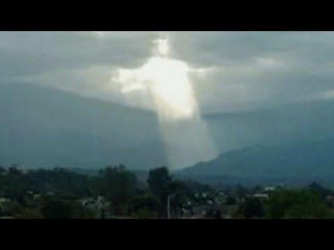 Jesús Aparece En El Cielo / Foto Real !! Viral !! Argentina !!