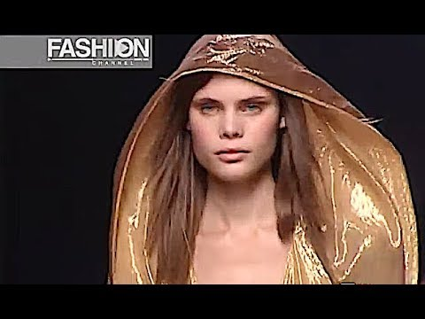 VIVIENNE WESTWOOD Spring Summer 2003 Paris - Fashion Channel