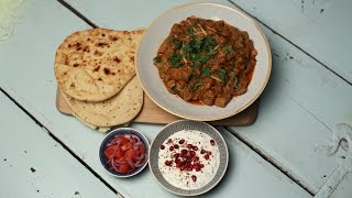 Slow cooked lamb curry with tomatoes, garlic and garam masala
