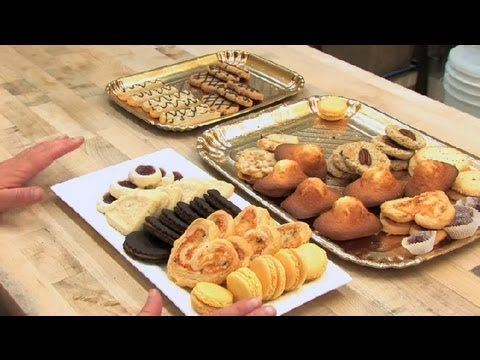 How-to-Design-a-Christmas-Cookie-Platter-Pastries-Desserts