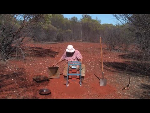 PROSPECTING FOR GOLD BY LOAMING IN WESTERN AUSTRALIA