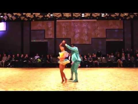 JESSICA & JUAN - SALSA DANCERS