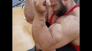 Greek bodybuilder killing biceps