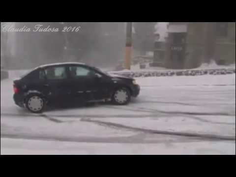 Snow Driving Fail!2016 Multi-Car Crash Snow Slide on Ice.