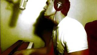 Download Mad World - PIANO AND VOCAL cover by Mark Matthews ( tronious )