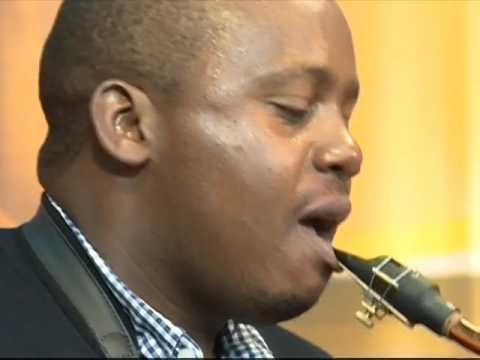 Life and Style: Edward Parseen and the Different Faces Band