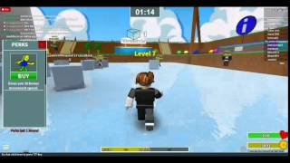 first roblox video MINIGAME MADNESS!!!!!