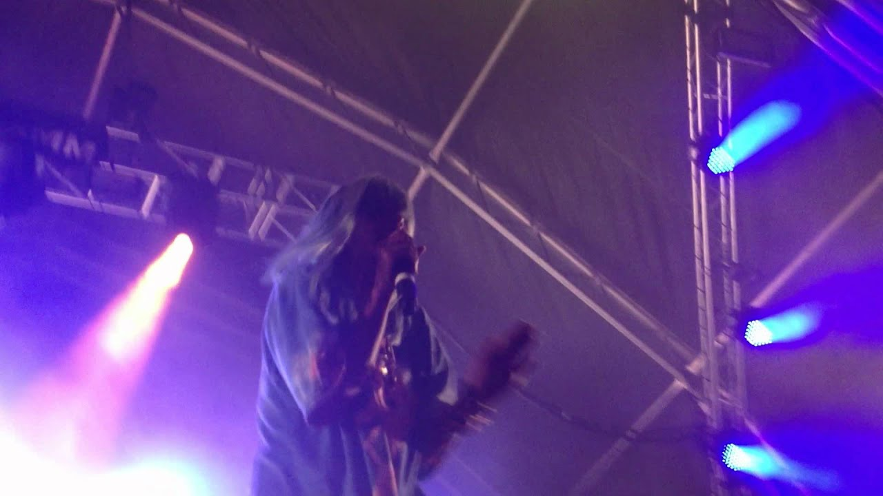 m.i.a. paper planes live on letterman Download paper planes mia mp3 new mp3 and albums paper planes mia download free.