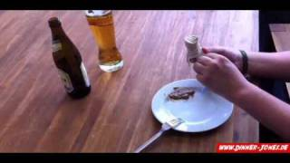 How to eat a Geŗman / Bavarian Weisswurst