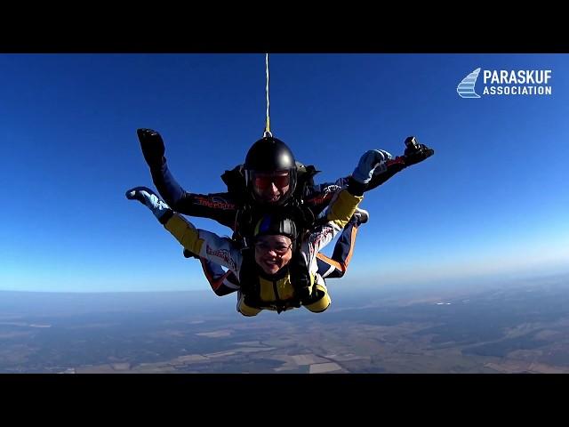 Первый прыжок с парашютом в тандеме в Киеве с Paraskuf