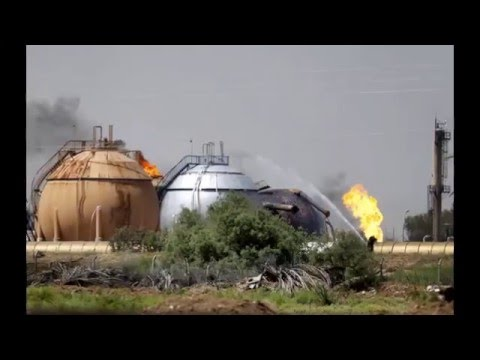 Iraq conflict: IS suicide bombers hit Taji gas plant