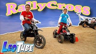 La gran carrera de Leo y Mikel en Moto y Quad eléctricos para Niños