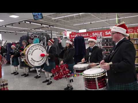 Christmas welcome as Pipe Band perform Jingle Bells in Asda Portlethen Dec 2018