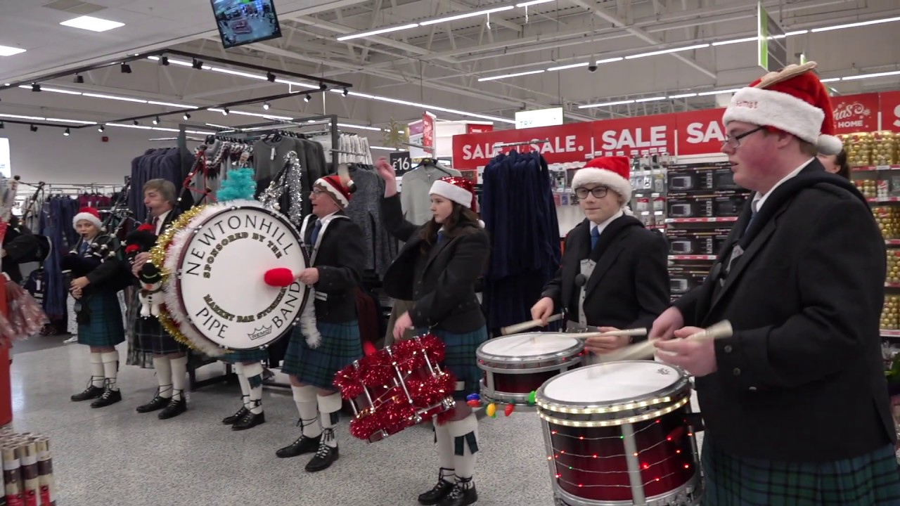 Christmas Welcome As Pipe Band Perform Jingle Bells In Asda Portlethen Dec