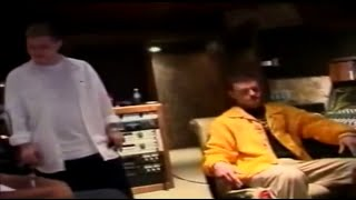 Scott Storch, Timbaland & Justin Timberlake recording the song in the studio