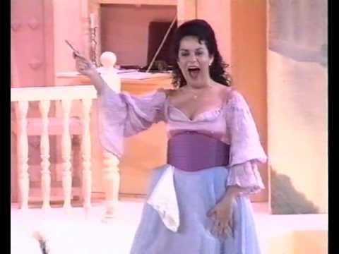 "Nancy Fabiola HERRERA sings ""Una voce poco fa"""