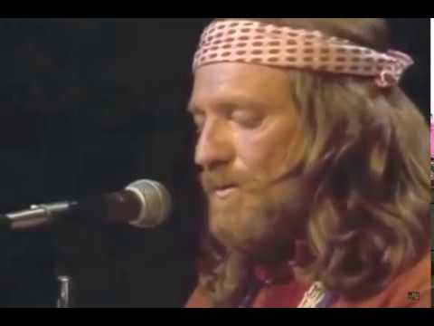 Willie Nelson - Blue Eyes Crying In The Rain (No. 3 Country Song of 1975)