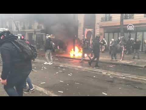 Акции протеста во Франции парализовали жизнь в стране