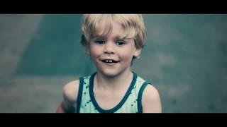 Смотреть клип Sam Martin - Alpha Omega