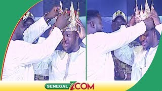Roi des arènes: Eumeu Sène remet la couronne au nouveau