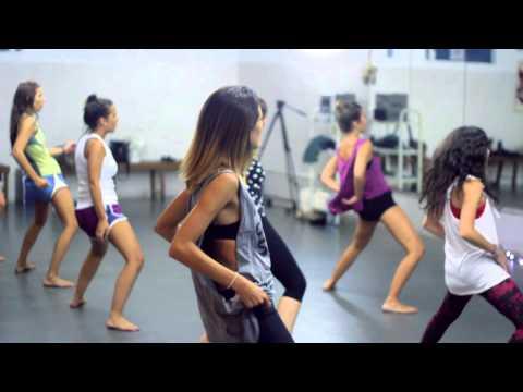 YOGA Booty Ballet Dafne