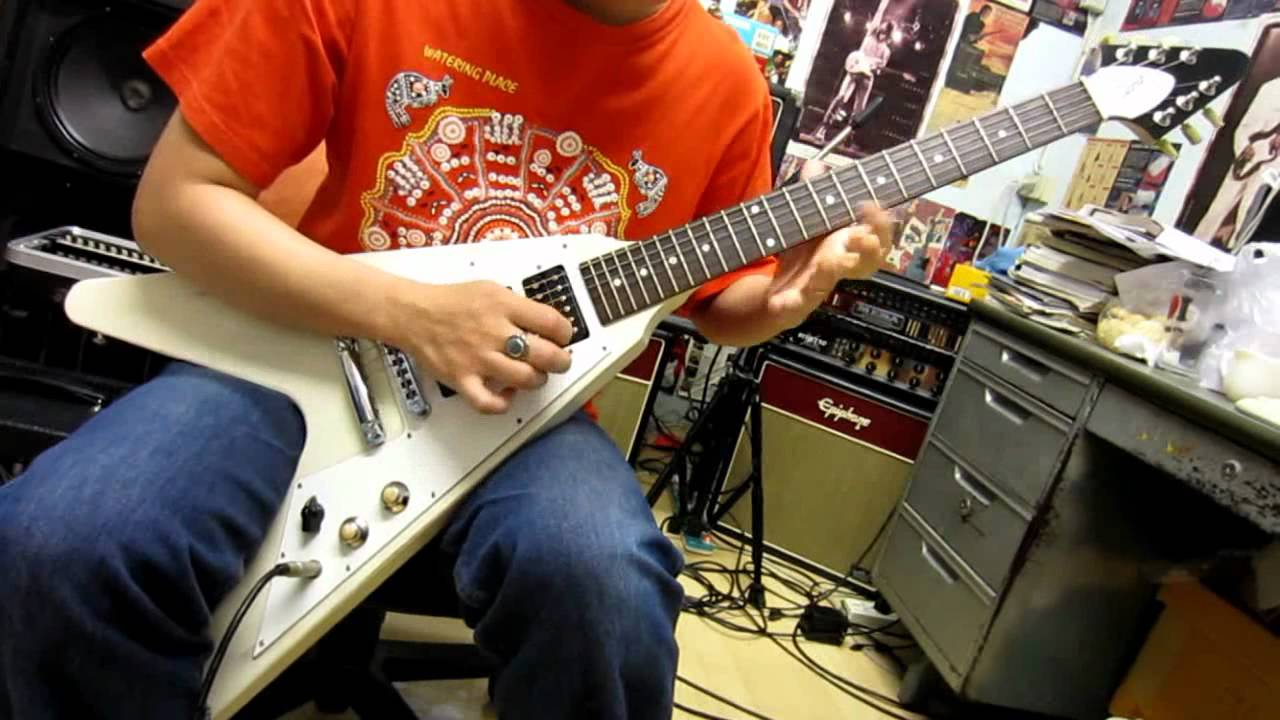Gibson Flying V Faded 3 Pickup Guitar Drive Sound - YouTube