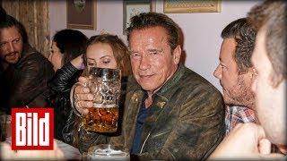 Arnold Schwarzenegger auf dem Oktoberfest - Terminator in Lederhosen
