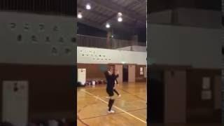 バレーボールの練習にお楽しみでバックトスの練習を兼ねて、バスケット...