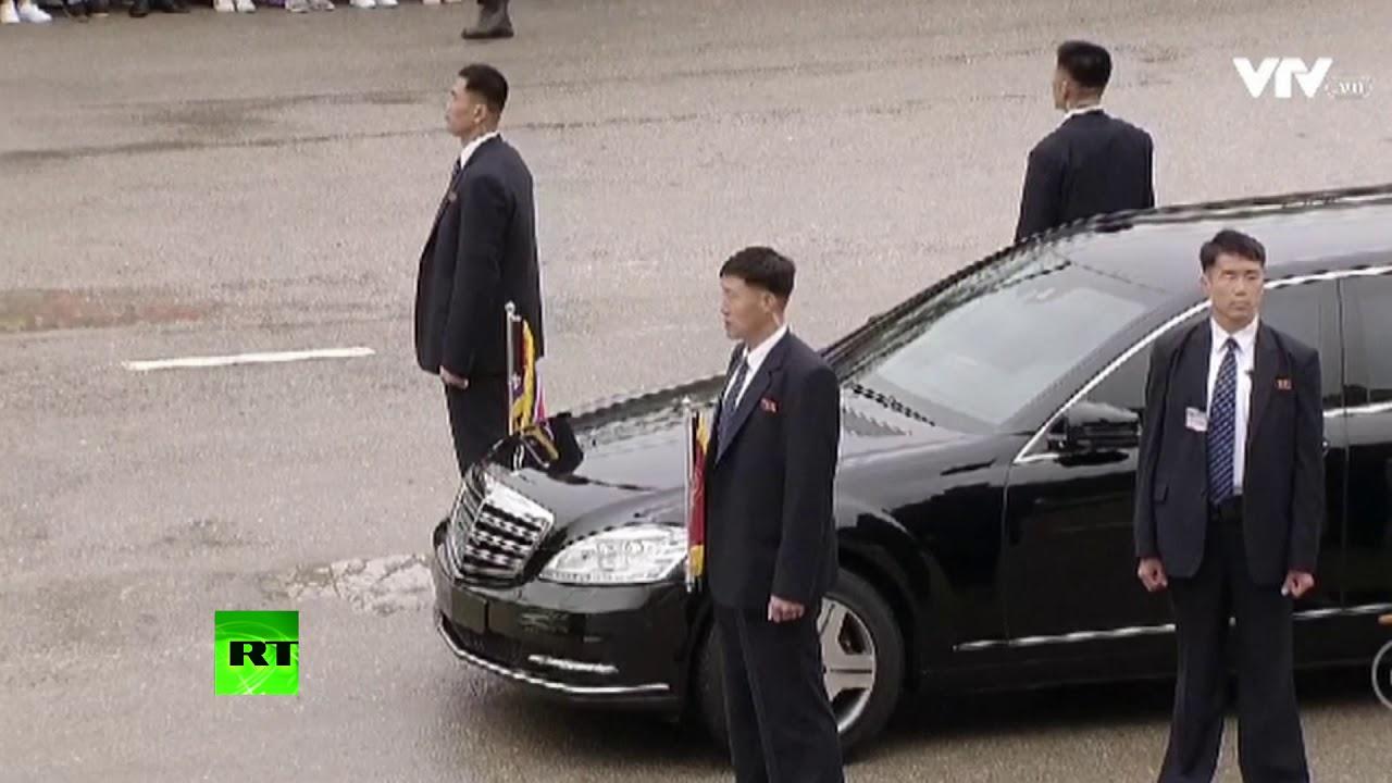 Как Ким Чен Ына и его бегущих телохранителей встречали во Вьетнаме