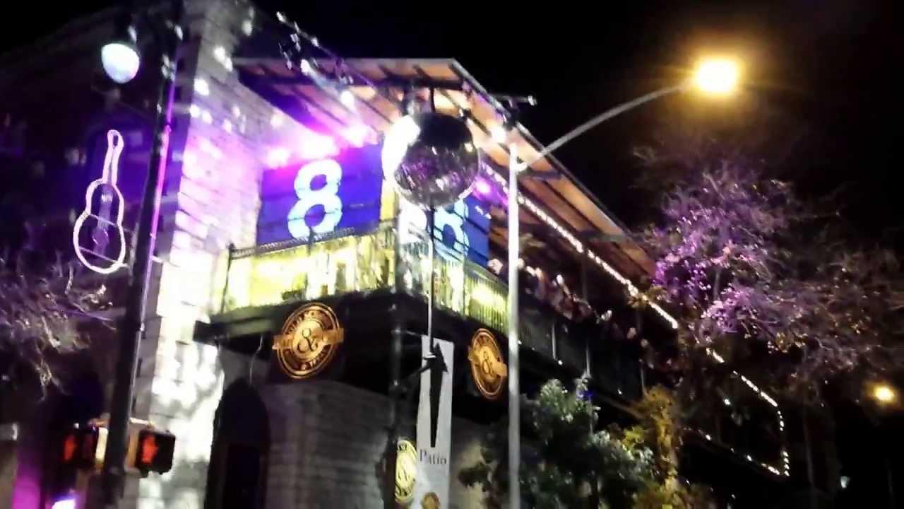 NEW YEARS EVE 6TH STREET Austin,Tx - YouTube
