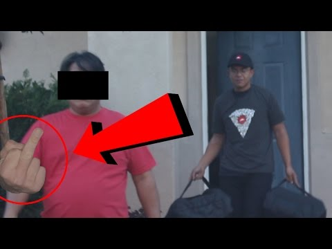 PIZZA DELIVERY GUY PRANK! (HITS MY CAR)